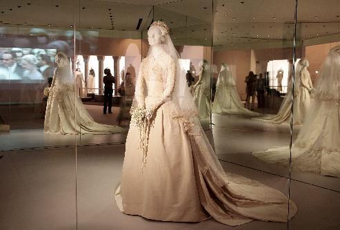 Abito da sposa Grace Kelly alla mostra Gli anni di Grace Kelly Monaco 2007