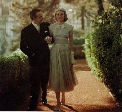 Grace Kelly con il Principe Ranieri da disconaplondon.files.wordpress.com