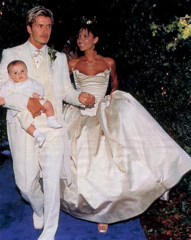victoria e david beckham con figlio il giorno del matrimonio