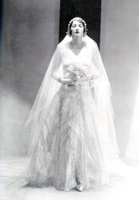 62cdab5c5b79 abito da sposa  l eredità degli anni Venti e Trenta