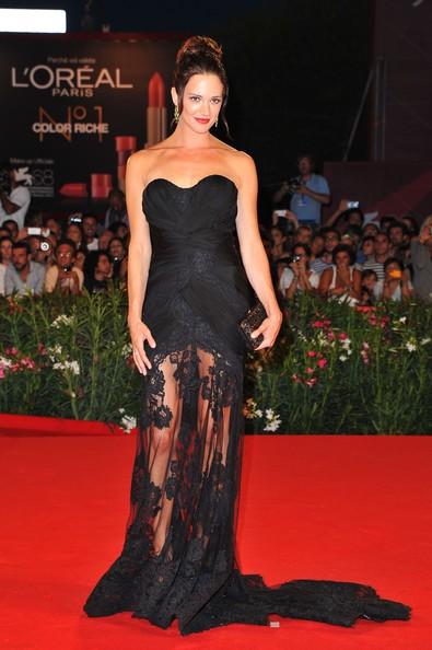 Asia Argento in Alberta Ferretti al Festival del Cinema 2011