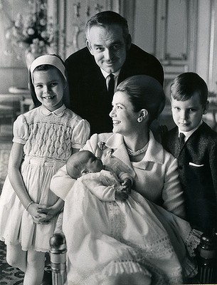 Grace Kelly, Ranieri di Monaco e i 3 figli da glogster.com