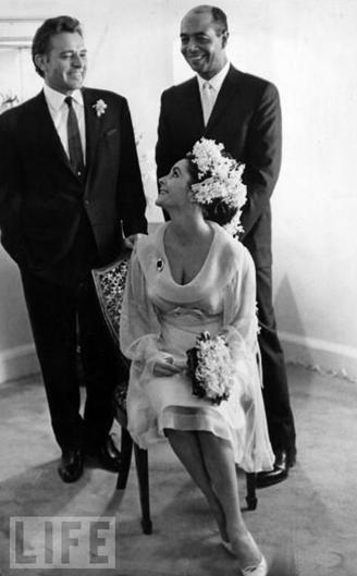 Liz Taylor nozze con Richard Burton e Jim Benton - Foto da Life