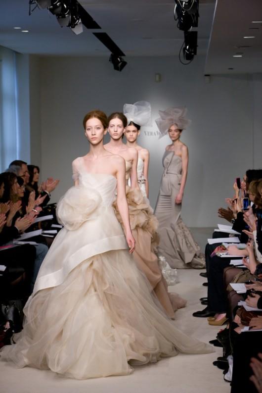 collezione sposa Vera Wang Spring 2012 - Foto da weddingbellsblog.com