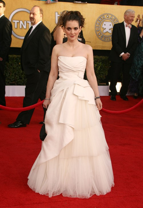 Winona Ryder ai SAG Awards 2011 in Alberta Ferretti Forever - Fame Pictures, Inc