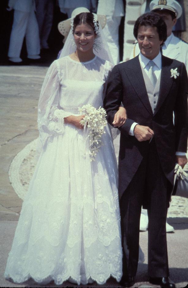 Nozze religiose tra Carolina di Monaco e Philippe Junot 1978 da royalweddings.hellomagazine.com