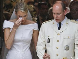 charlene di Monaco piange all'uscita Chiesa di Santa Devota