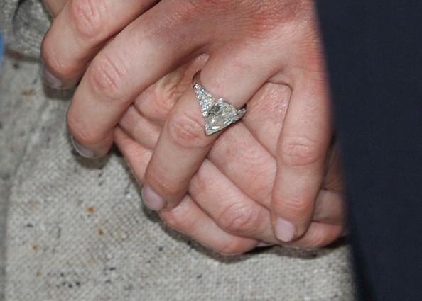 Anello fidanzamento Charlene Wittstock - Foto da orderofsplendor.blogspot.com