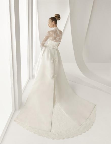 abito da sposa alla Grace Kelly Adorno di Rosa Clarà
