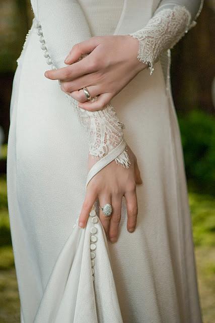 Dettaglio maniche abito da sposa Breaking Dawn - Foto Getty
