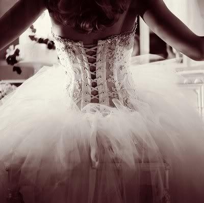 Abito da sposa Pnina Tornai - Foto da somedayillchange.tumblr.com