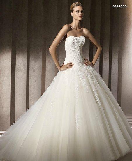 30c7d437c273 abito da sposa Pronovias Barroco collezione Glamour 2012