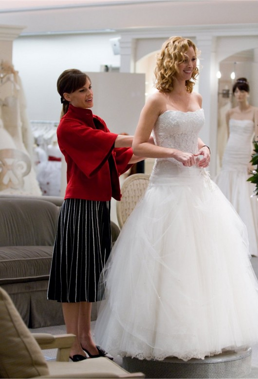 Lisa Kudrow in Pnina Tornai nel film P.S. I Love You
