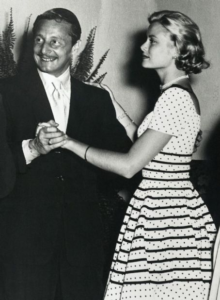 Oleg Cassini balla con Grace Kelly