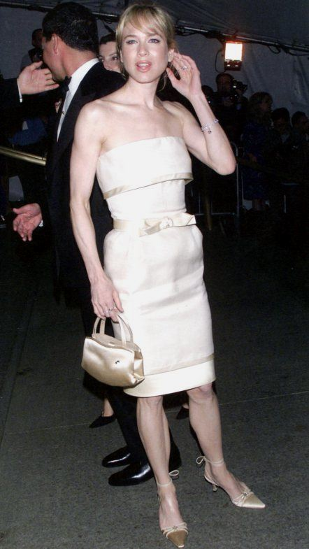 Rene Zellweger con cuff dress Cassini