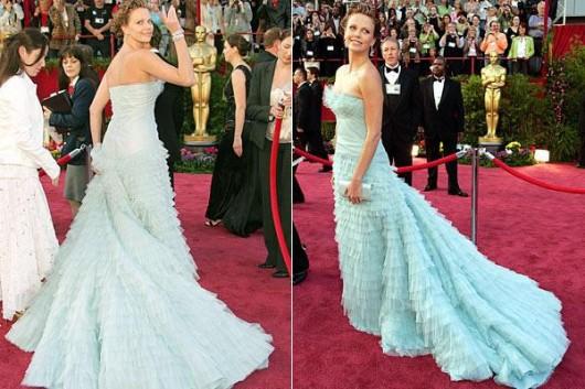 Charlize Theron agli Oscar 2005 - foto Reuters