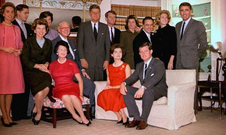 La famiglia Kennedy nel 1960 - Foto AP