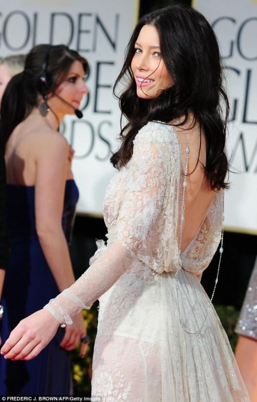 Jessica Biel in Elie Saab ai Golden Globe 2012