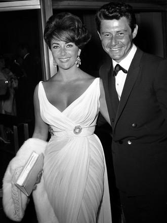 Liz Taylor agli Oscar 1960 con il marito Eddie Fisher