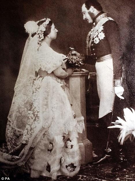 Nozze tra Regina Vittoria e Principe Alberto ritratti ex post nel 1854 - Foto PA