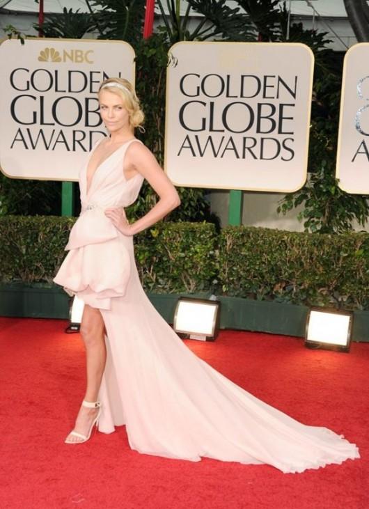 Charlize Theron in Christian Dior ai Golden Globe 2012