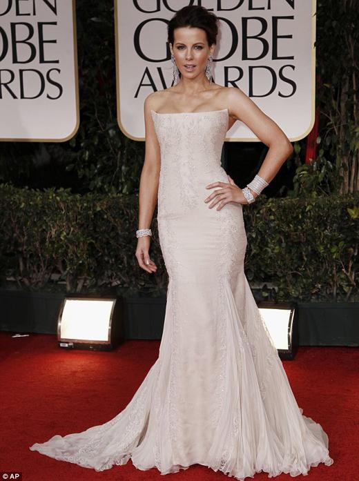 Kate Beckinsale in Roberto Cavalli ai Golden Globe 2012 - Foto AP