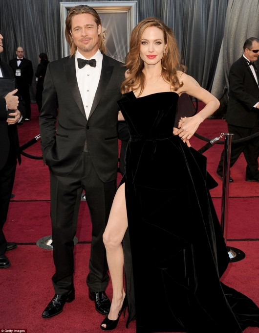 Angelina Jolie e Brad Pitt agli Oscar 2012 - Foto Getty