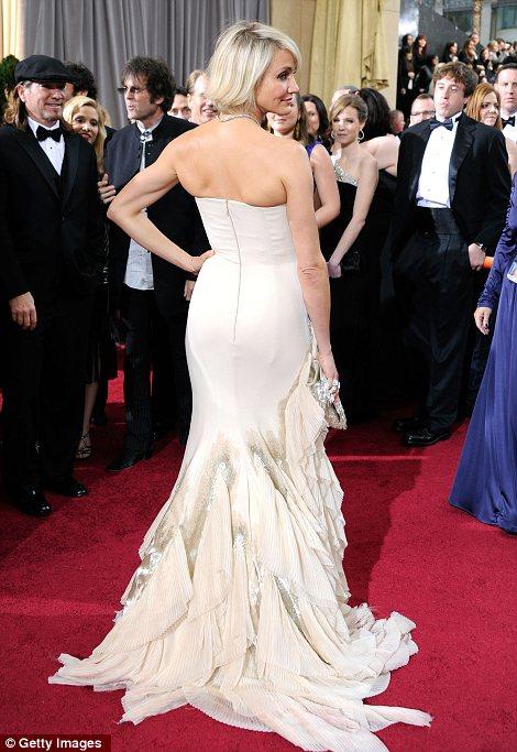 Cameron Diaz in abito bianco Gucci agli Oscar 2012 - Foto Getty