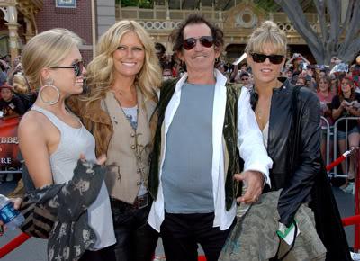 La famiglia di Keith Richards alla premiere del film il Pirata dei Caraibi in Disneyland nel Maggio 2007