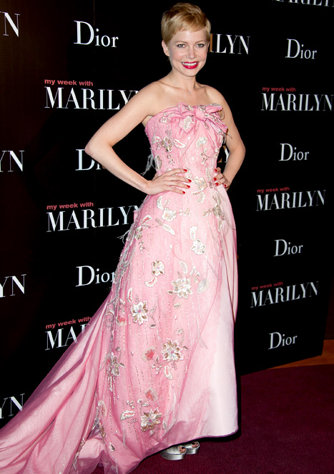 Michelle Williams in Dior a febbraio alla prima di My week with Marilyn a Parigi
