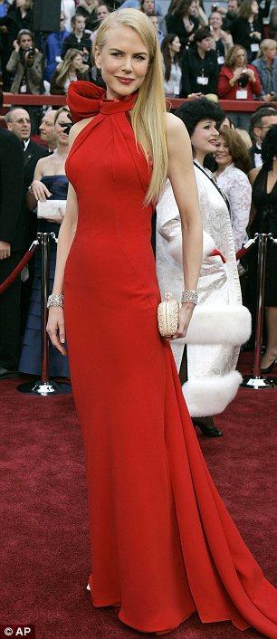 Nicole Kidamn agli Oscar 2007 in Balenciaga - Foto AP