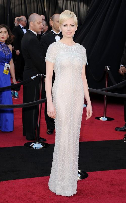 Michelle Williams in Chanel agli Oscar 2011 Foto Getty