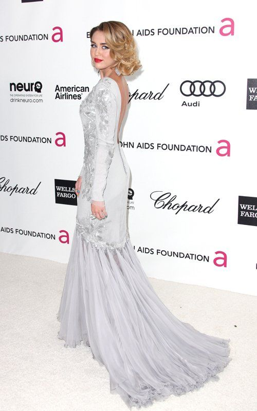 Miley Cyrus at Elton John AIDS Foundation Oscar Viewing Party - Foto Getty