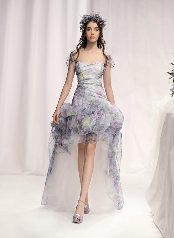 High-low hemlines Emé di Emé wedding dress