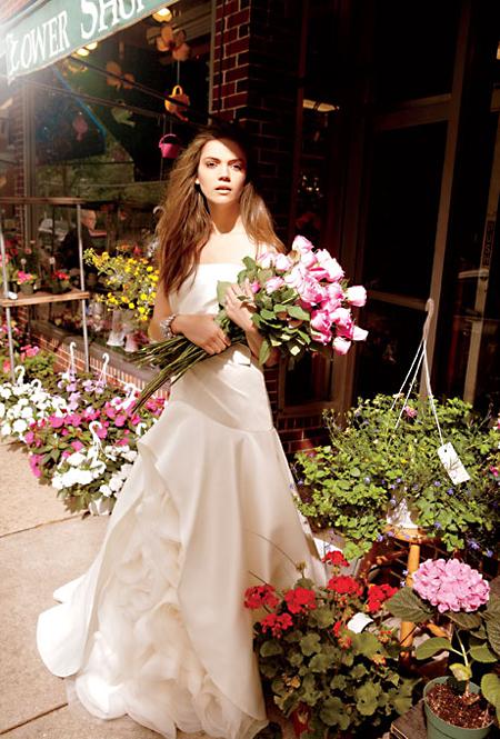 abito da sposa White Vera Wang Spring 2013 Photo Annelise Phillips for Brides