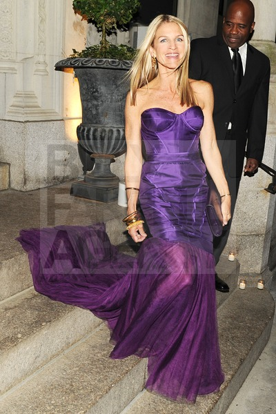 Crystal Lourd in Vera Wang Met Ball 2012 - bfanyc.com
