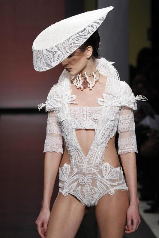 Gattinoni Primavera -Estate 2013 haute couture foto huffingtonpost.it