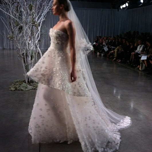 abito da sposa Crescendo Monique Lhuillier Fall 2013 foto horadobuque on Instagram