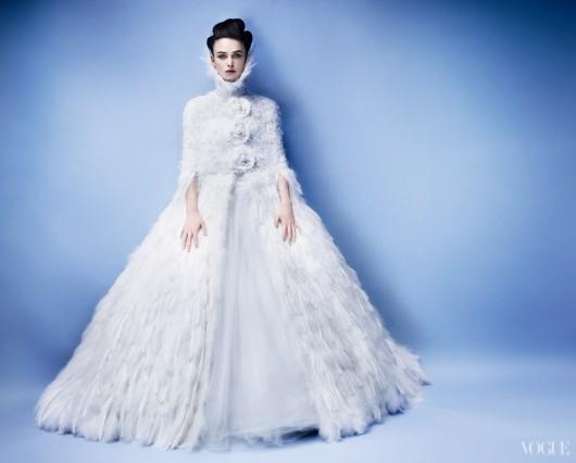 Keira Knightley in Chanel haute couture FW 2012-2013 foto Mario Testino per Vogue
