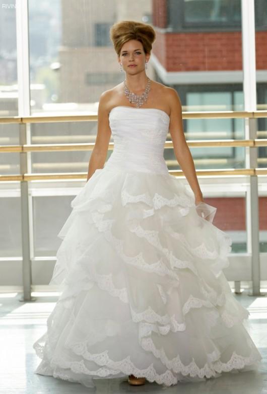 1426ccadf111 La nuova era del lusso semplice per la sposa Rivini 2013