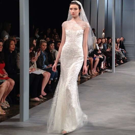abito da sposa Monique Lhuillier Spring 2014 foto bridalguide on instagram