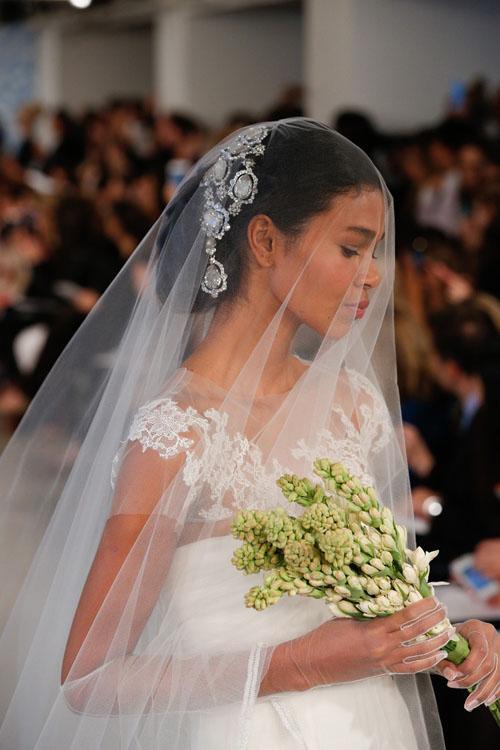 abito da sposa Oscar de la Renta Spring 2014 foto tomandlorenzo