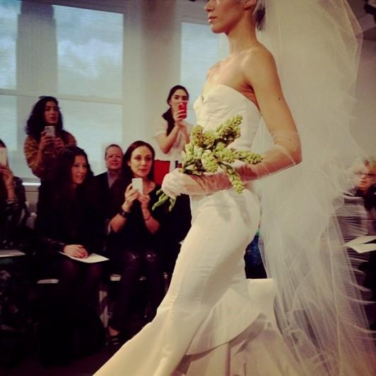 abito da sposa Oscar de la Renta Spring 2014 foto bridesmag