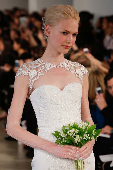 abito da sposa Oscar de la Renta Spring 2014 foto zimbio