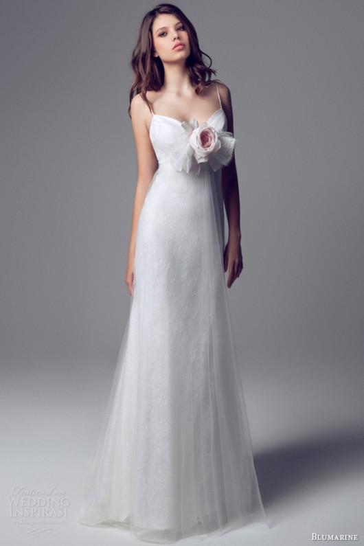 Vestiti Da Sposa Blumarine.Delicata Come Un Fiore La Sposa Blumarine 2014 In Rosa E Bianco