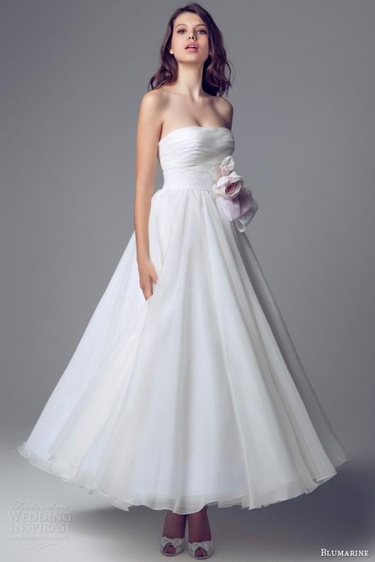 f4a024ebba50 Delicata come un fiore la sposa Blumarine 2014 in rosa e bianco