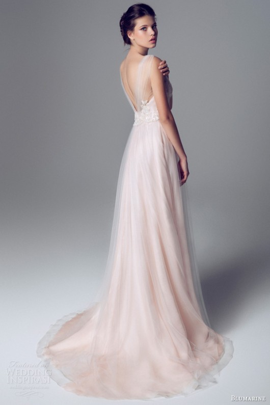 factory price d6a21 58e14 Delicata come un fiore la sposa Blumarine 2014 in rosa e bianco