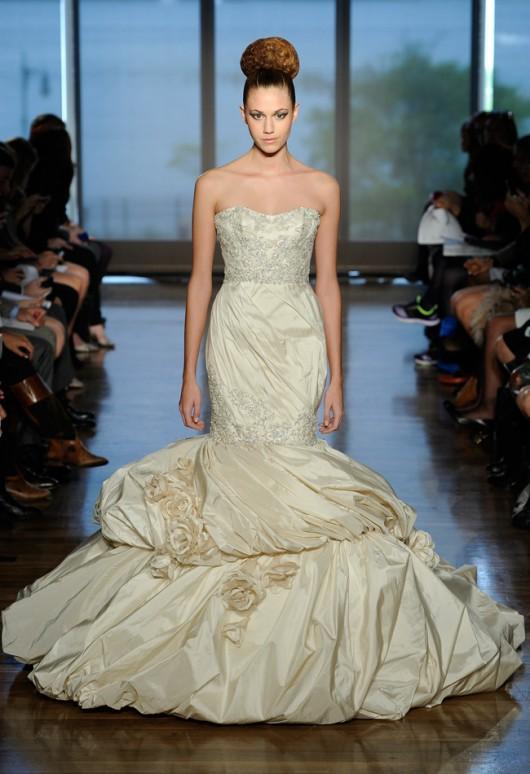 abito da sposa Aella Ines di Santo Fall 2014