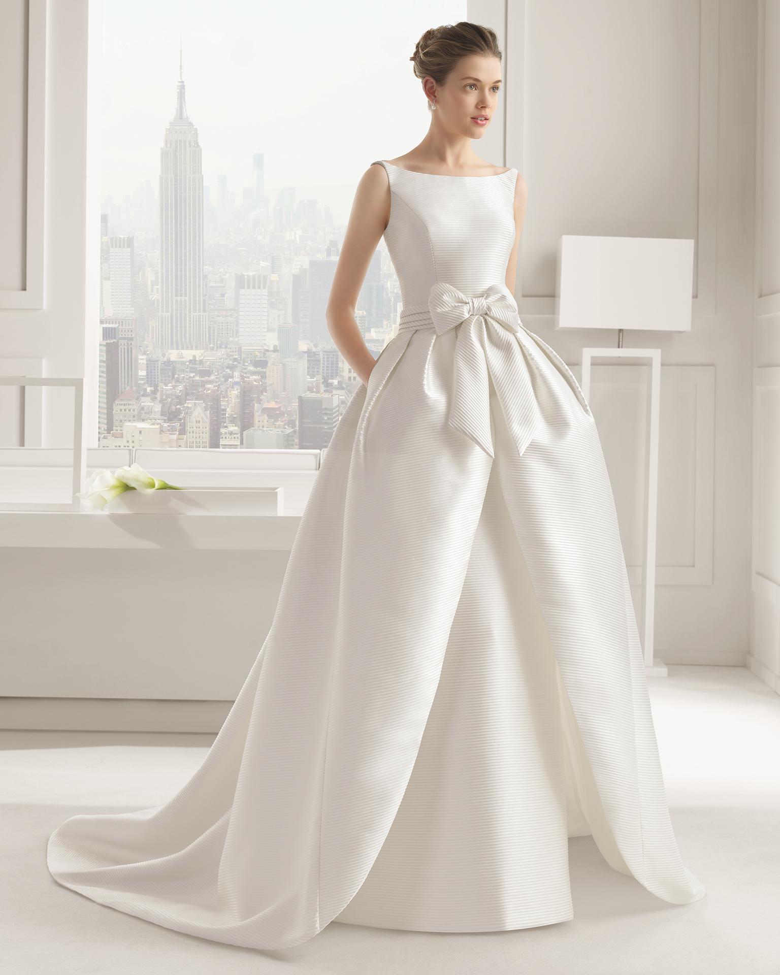cf08b43a3361 Romantica e versatile la sposa Rosa Clará Spring 2015