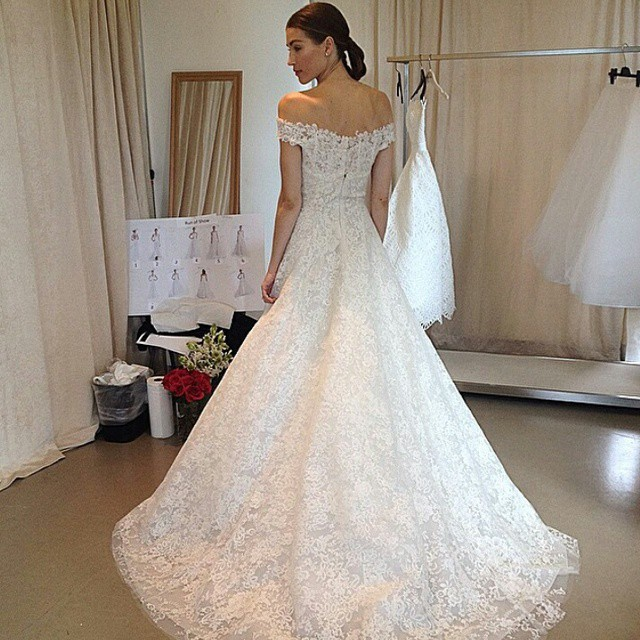 abito da sposa Oscar de la Renta Fall 2015 foto revistavanidades